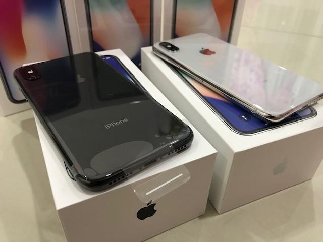 Apple iPhone X 64GB/265GB for 400 EUR , iPhone 8/8 Plus 64GB / 256GB for 300EUR , WhatsApp Chat:  +447451221931